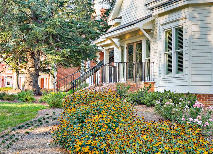 commerical-property-managemnt-flower-gardens